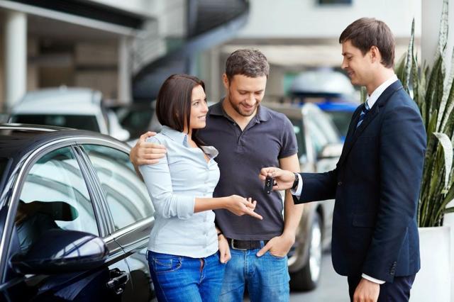 Что выгоднее: автокредит или кредит наличными при покупке машины